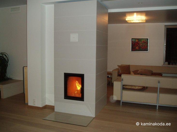 Ahi-Saksa-samott-soojustsalvestav-soemuur-koos-kupsetusahjuga-leivaahi-2013-2.jpg