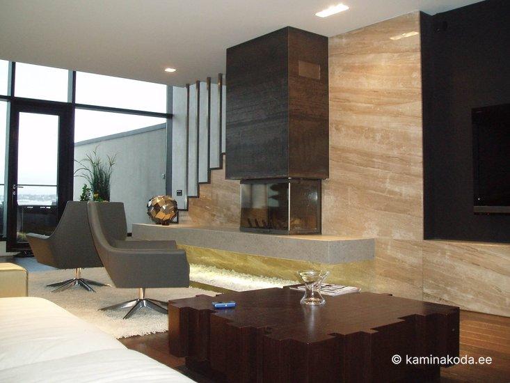 Kamin-3-klaasiga-Axis-metall-scorpion-kivi-moderne-2012-6.jpg