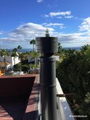 Korstnad-Vilpra-RAL-tuulesuunaja-muts-seinal-Marbella-2019-2.jpg