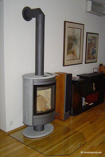 Valmiskamin-Romotop-Stromboli-kivi-klaas-alus.jpg