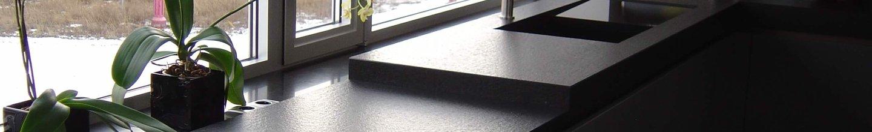 kivi-koogitasapind-01-Nero-Assoluto-harjatud-valamu-kivist-01.jpg
