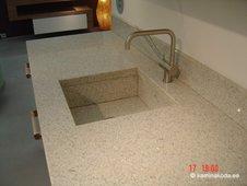 kivi-koogitasapind-04-graniidist-hele-valamu-kivist-06.jpg